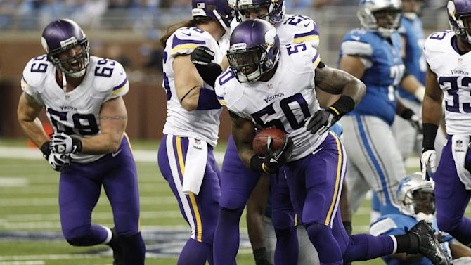 Vikings LB Erin Henderson back with team after DWI
