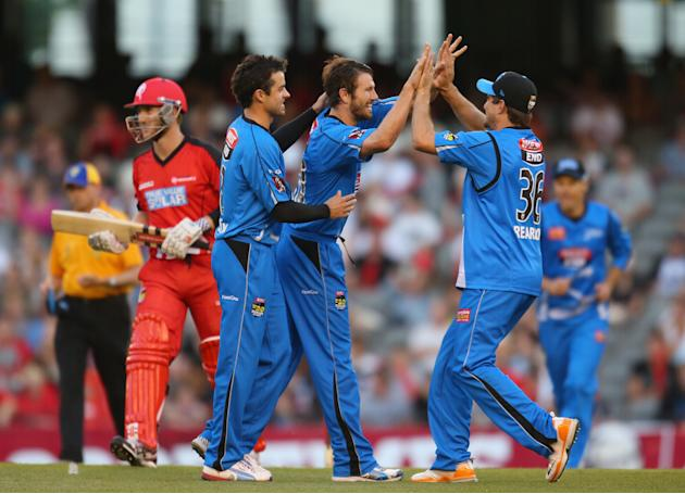 Big Bash League - Renegades v Strikers
