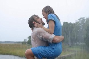 Clever Guy Gets Girls on the Street to Recreate Kiss from 'The Notebook'