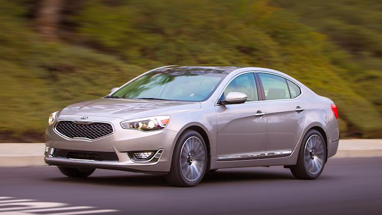 Kia adds full-size sedan