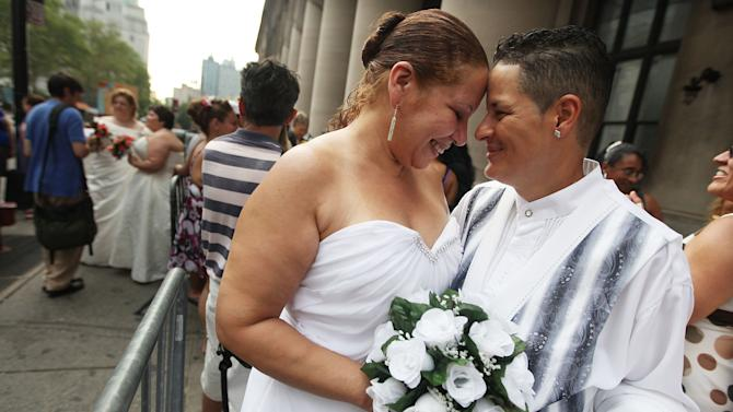New York City Clerks Offices Open Sunday For First Day Of Gay Marriages