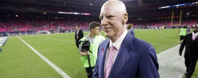 Texans owner blasts Brady, Pats for deflate-gate
