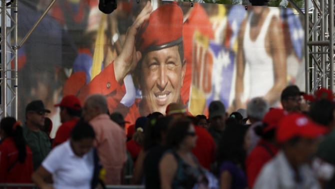 Chavez body to be put on permanent display
