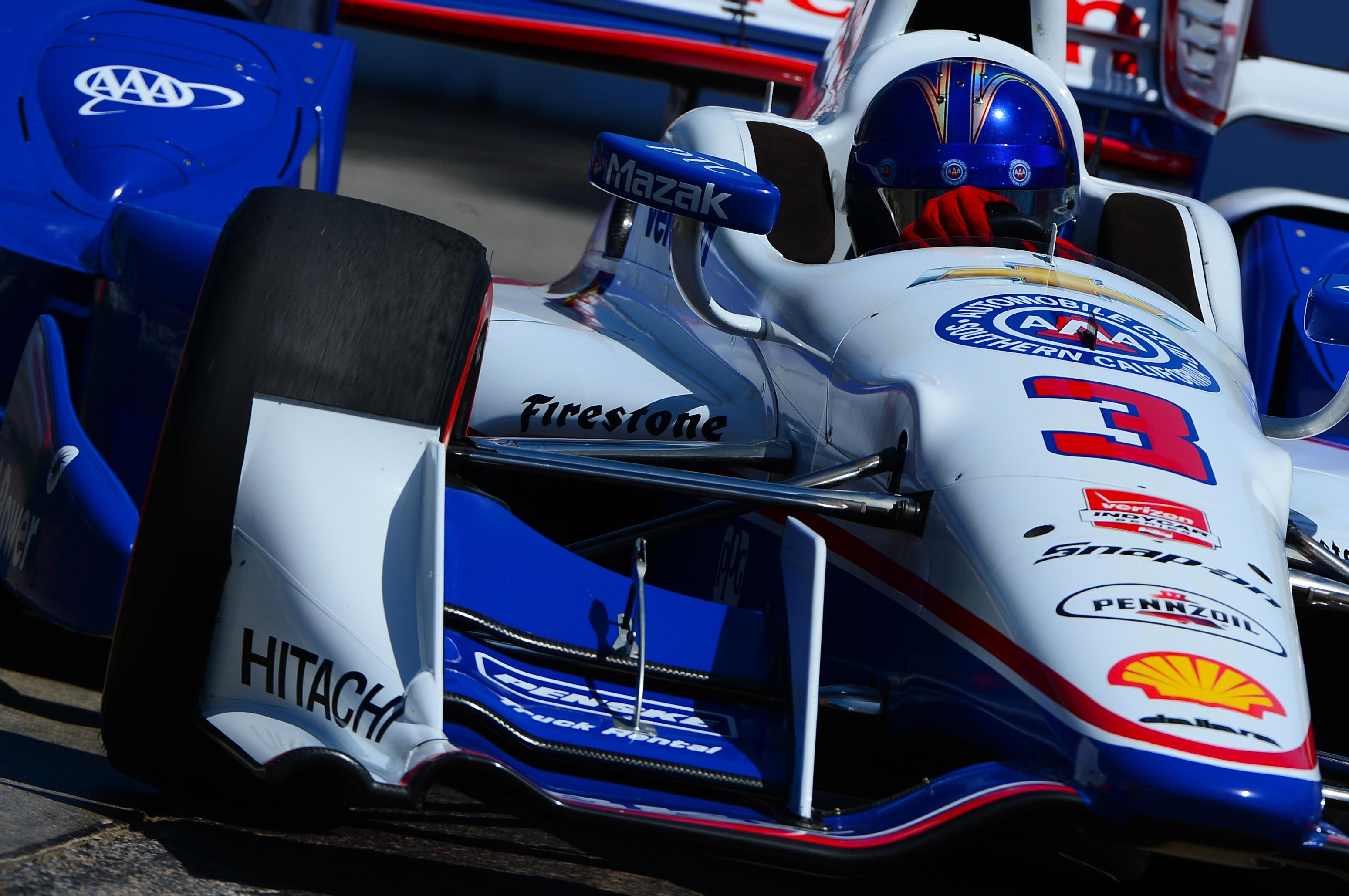 Castroneves grabs pole in Alabama