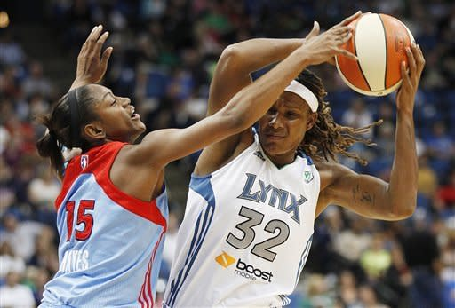 McWilliams-Franklin, Moore help Lynx outlast Dream