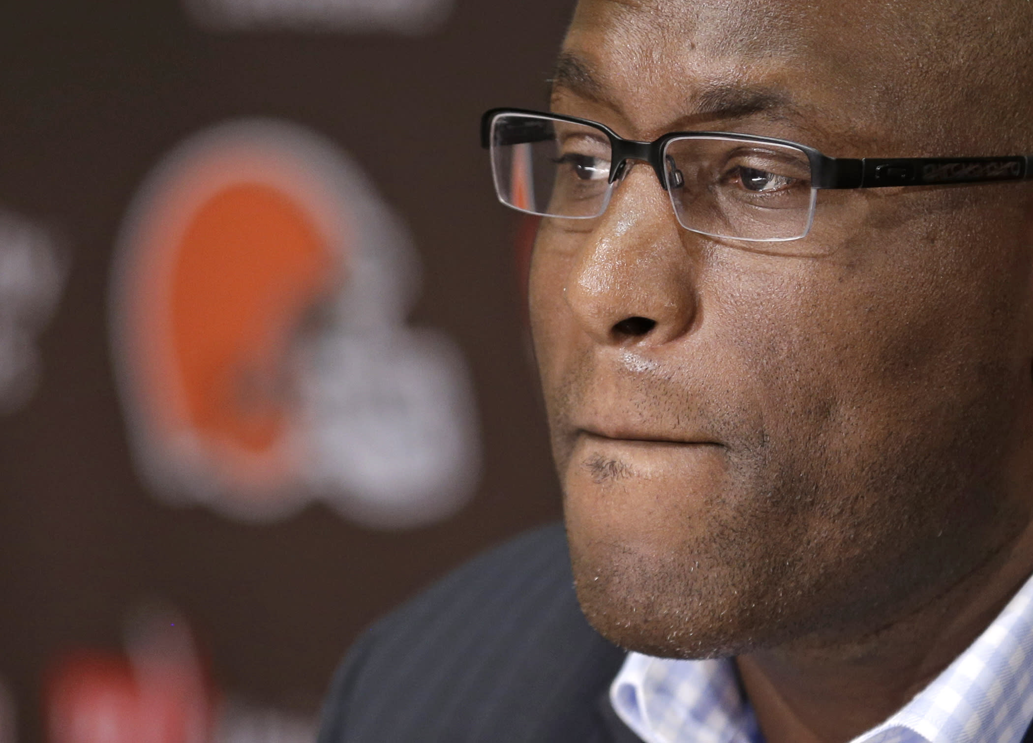 NFL suspends Browns GM for texting, team holds onto picks