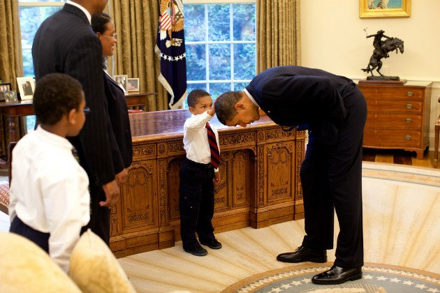 Boy who touched Obama's hair: Story behind White House photo is