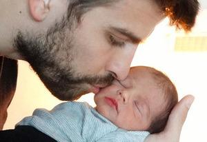 Gerard Piqué and Milan | Photo Credits: Unicef