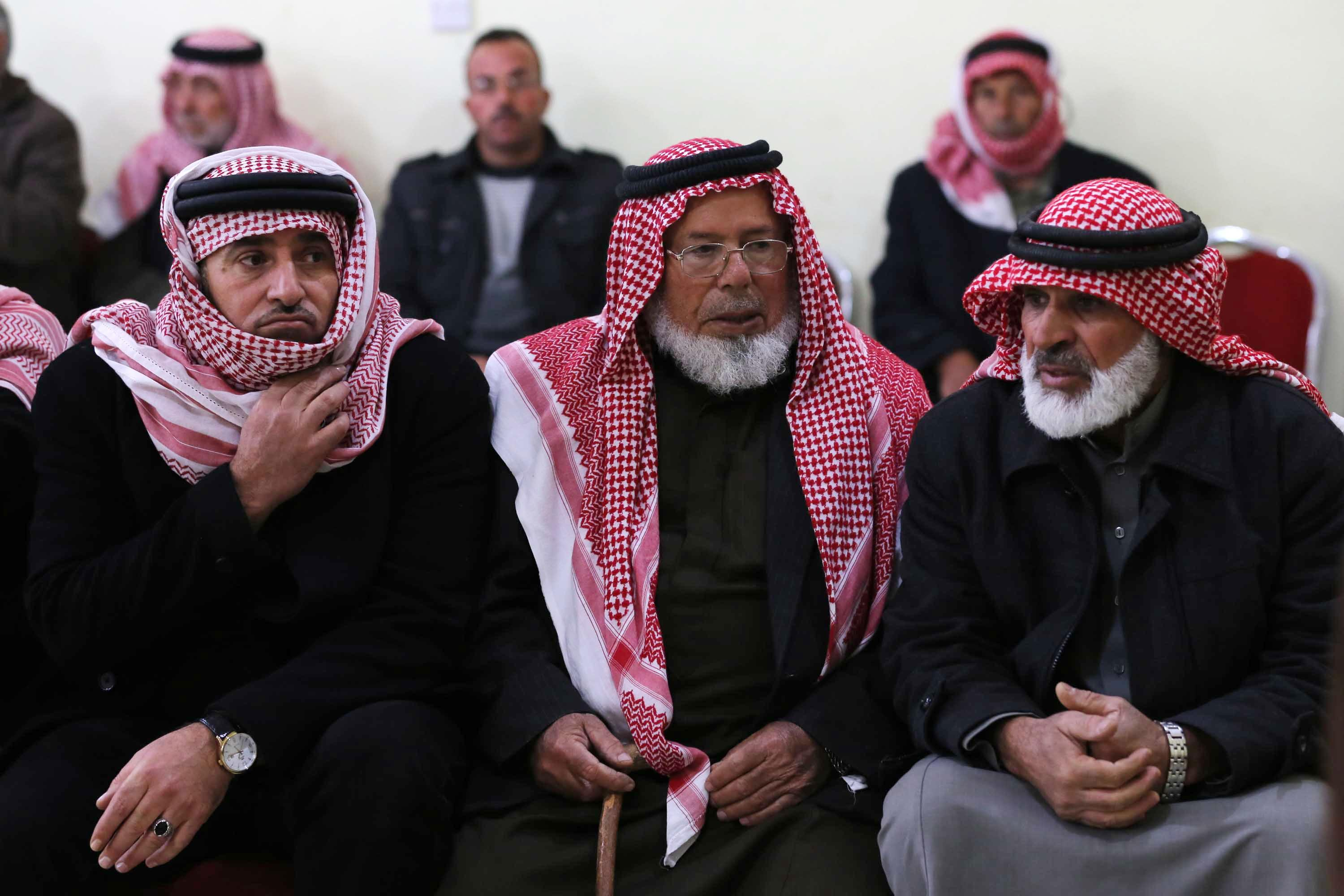 Father of pilot captured by IS pleads for release