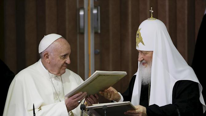 Pope Francis and Russian Orthodox Patriarch Kirill exchange a joint declaration on religious unity in Havana