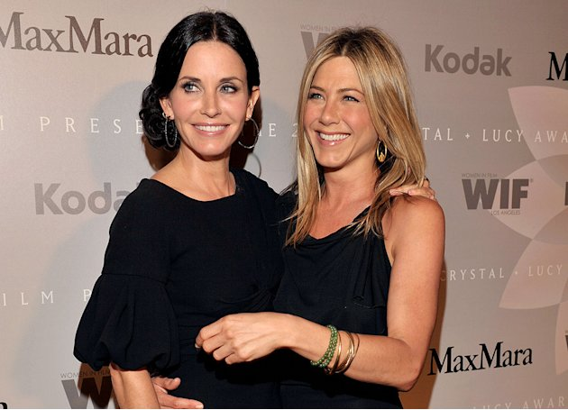 Courteney Cox and Jennifer Anniston