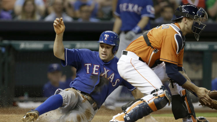 Rangers rally late for 9-5 win over Astros