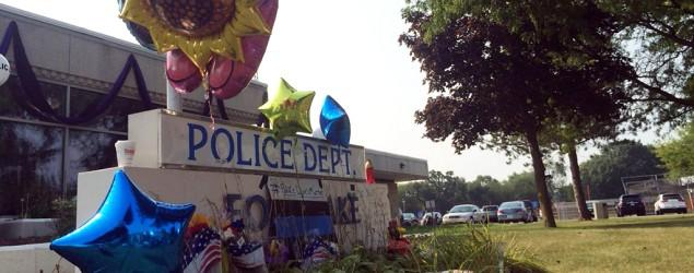 Police to examine video in Illinois officer's death