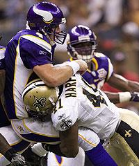 Problems aplenty for Favre, Vikings offense