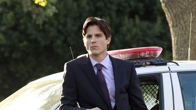 """Pretty Little Liars"" -- ""A is for A-L-I-V-E"" Sean Faris"