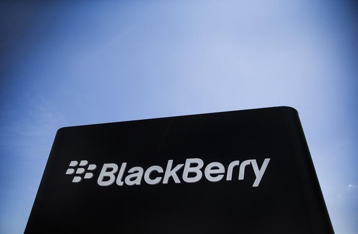 BlackBerry works with Boeing on phone that self-destructs