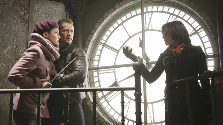 """Once Upon a Time"" - ""The Queen is Dead"" GINNIFER GOODWIN, JOSH DALLAS, LANA PARRILLA"