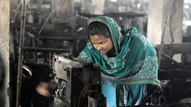 Bangladesh probing if factory's 1 exit was locked