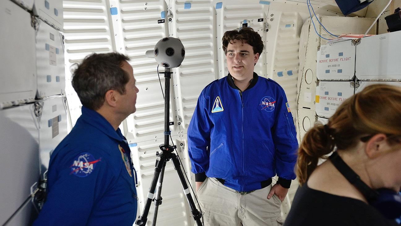 NASA Astronauts, Hollywood Team Up for Virtual Reality Shoot Aboard Space Shuttle Endeavour