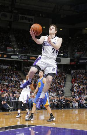 AP Source: Bulls, Fredette reach tentative deal