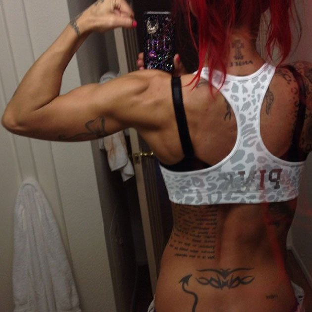 Celebrity Twitpics: Former glamour model turned body builder Jodie Marsh has made it her mission to win body-building titles in the US this year. She kicked off her training regime with this Twitpic o