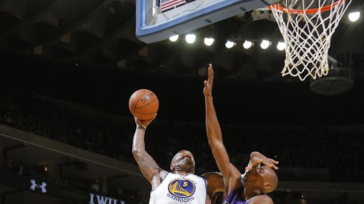 Warriors rout Kings 102-69, sweep season series
