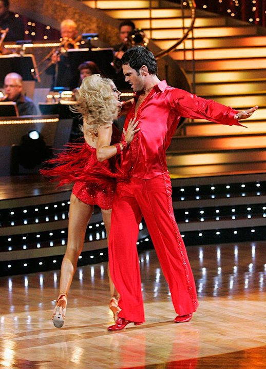 Chuck Wicks and Julianne Hough perform the Samba to &quot;Baila, Baila&quot; by Angela Via feat. Joe Budden on &quot;Dancing with the Stars.&quot; 