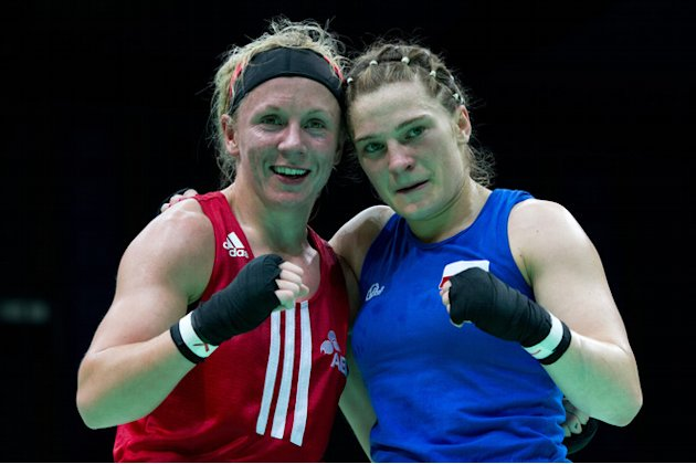 Lisa Jane Whiteside (L) Of England Poses AFP/Getty Images