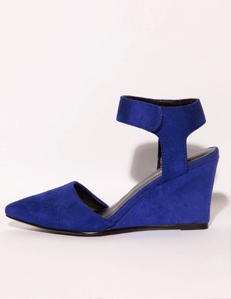Cobalt pointy wedges, $70 at Pixie Market