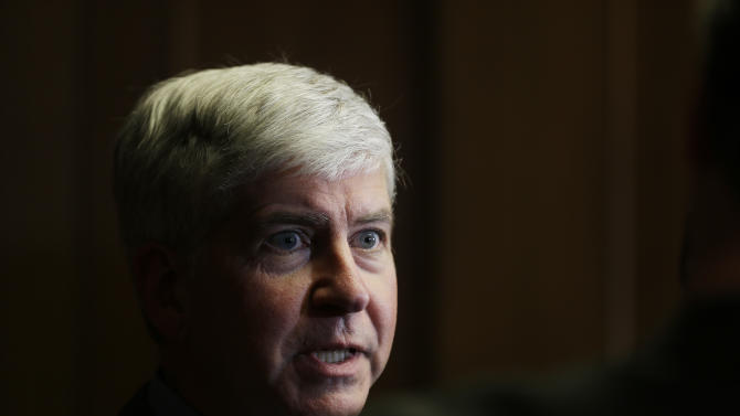 Snyder: People already turning down Detroit job