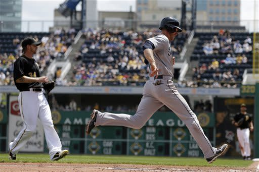 Hernandez tops Burnett, Mariners trip Pirates 2-1