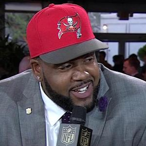 Donovan Smith stoked to put on a Tampa Bay Buccaneers uniform