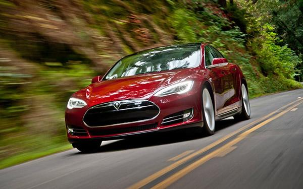 Tesla CEO Says Carmaker Will Be Profitable by December