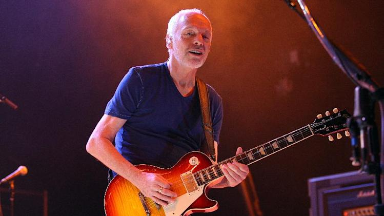 Peter Frampton performs at Harrah's Resort Southern California on Saturday, Aug. 30, 2014 in Valley Center, CA. (Photo by Zach Cordner/Invision/AP)