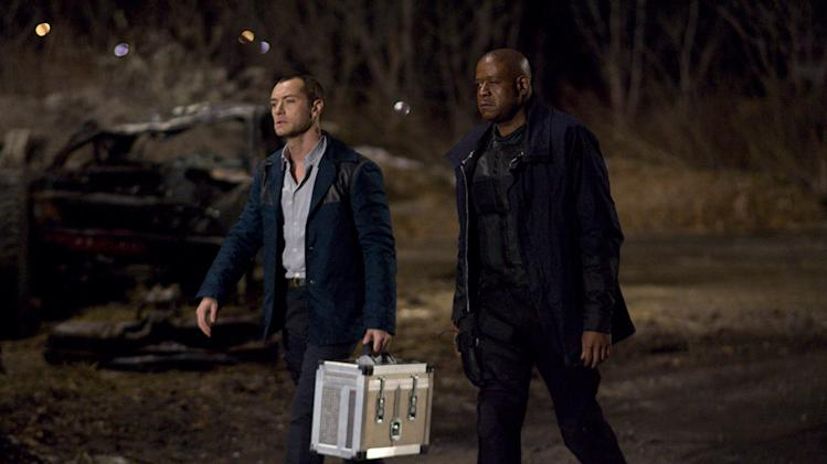 Repo Men Universal Pictures 2010 Production Photos Jude Law Forest Whitaker