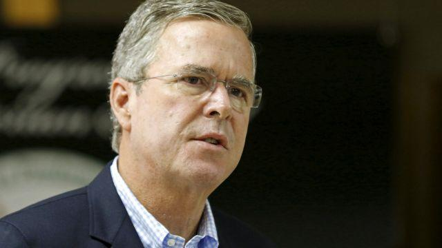 Trump Rips Bush for Speaking Spanish, Bush Calls Trump a 'Germophobe'