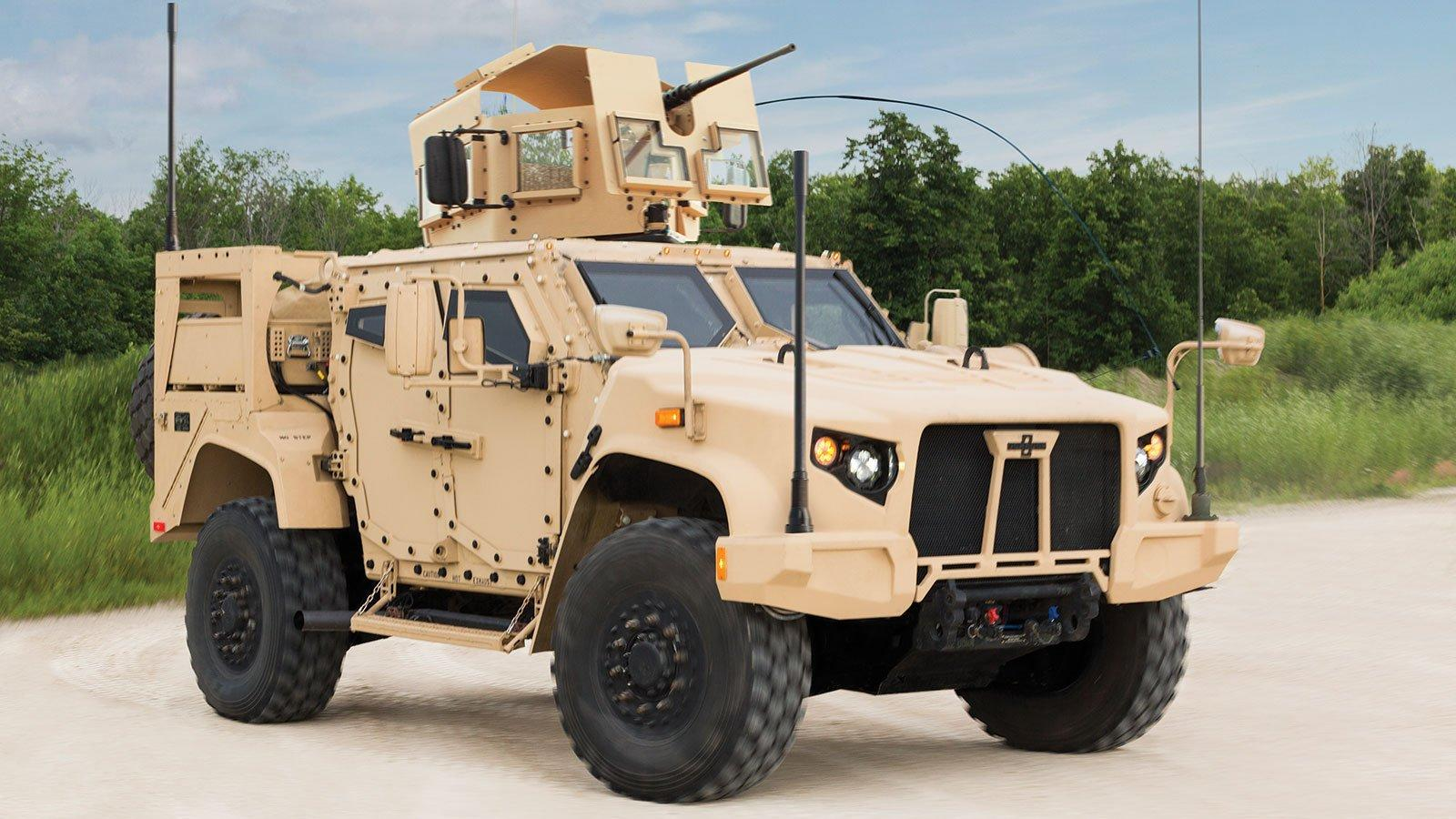 The Army's $30 Billion Humvee Replacement Climbs Out of a Ditch