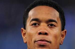 Fulham confirms loan signing of Urby Emanuelson from Milan