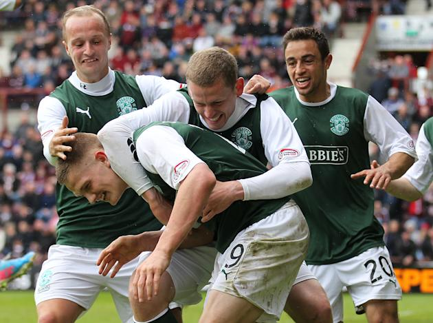 Soccer - Clydesdale Bank Scottish Premier League - Heart of Midlothian v Hibernian - Tynecastle Stadium