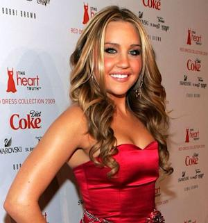 Amanda Bynes Remains in Hospital as Parents File for Conservatorship