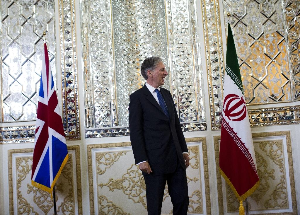 Iran clothing with US, British flags sparks arrests