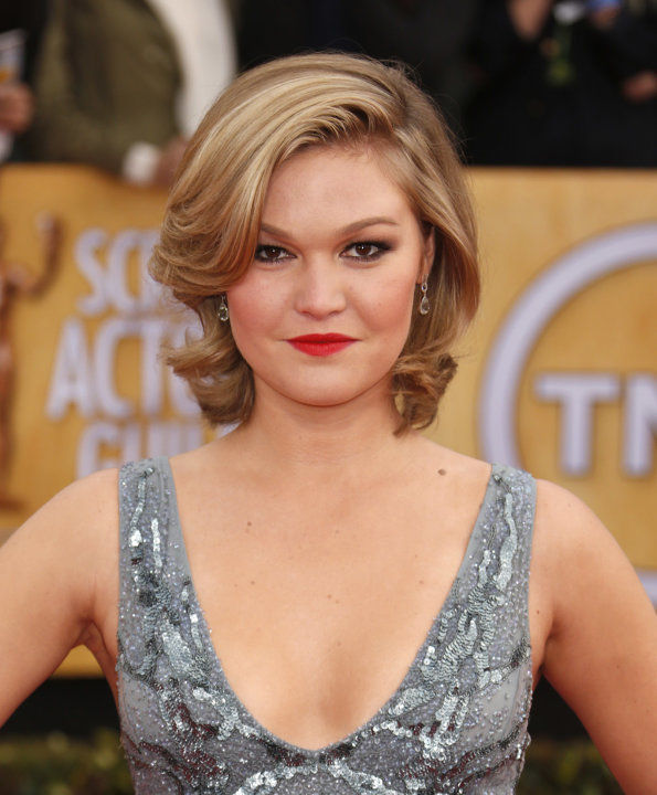 Julia Stiles arrives at the 19th Annual Screen Actors Guild Awards at the Shrine Auditorium in Los Angeles on Sunday Jan. 27, 2013. (Photo by Todd Williamson/Invision for The Hollywood Reporter/AP Ima