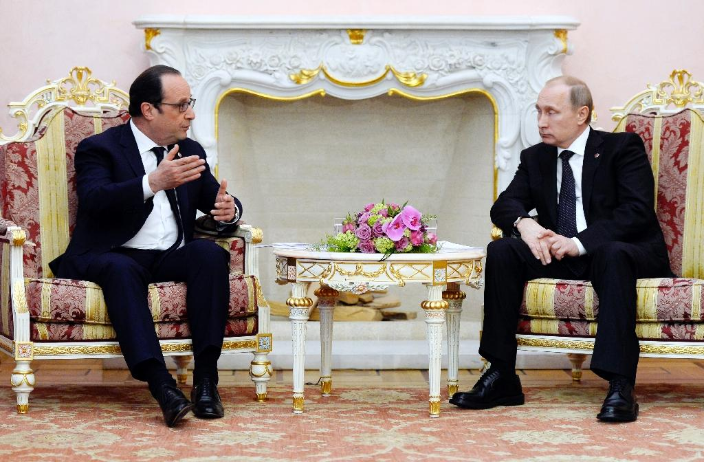 Putin calls on Hollande to mend fences amid Ukraine conflict