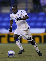 Lateef Elford-Alliyu has joined Bury on a permanent basis