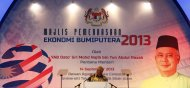Prime Minister Datuk Seri Najib Razak delivers his key address during the launch of 'Empowering Bumiputera Economy' in Shah Alam outside Kuala Lumpur September 14, 2013. The MCA has urged Putrajaya to be more inclusive in disbursing economic aid amongst the races. — Reuters pic