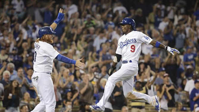 Dodgers rally with 3 in 8th to beat D-Backs 5-2