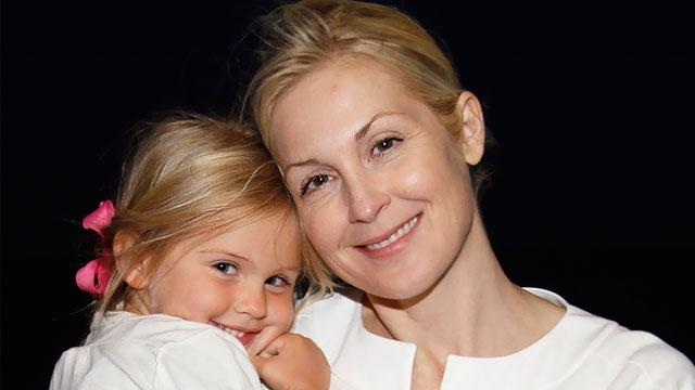 Kelly Rutherford's Famous Friends React to Her Custody Battle Win