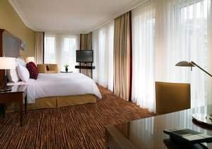 Fit for the Berlin-Travelers of the Future: Marriott Hotel in Berlin at Potsdamer Platz Completes Extensive Renovation