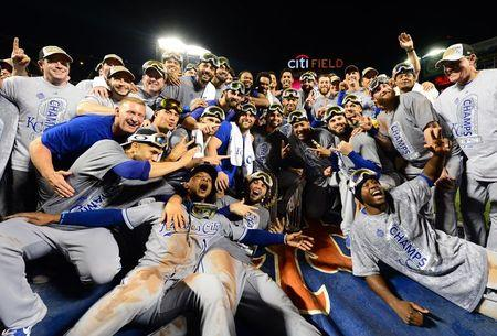 Royals players get $370,000 bonus for World Series win