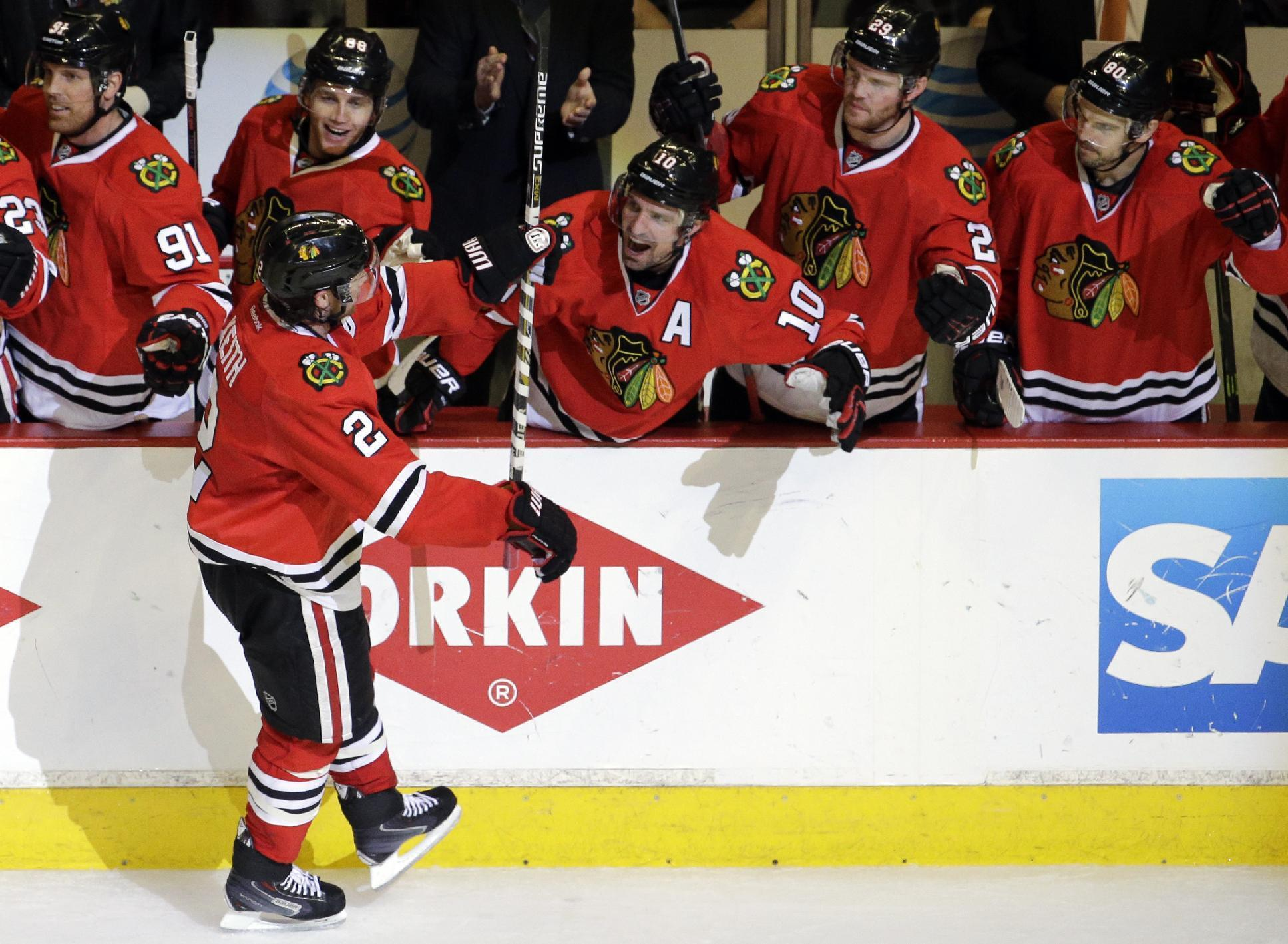 Duncan Keith daggers Predators to clinch first round series